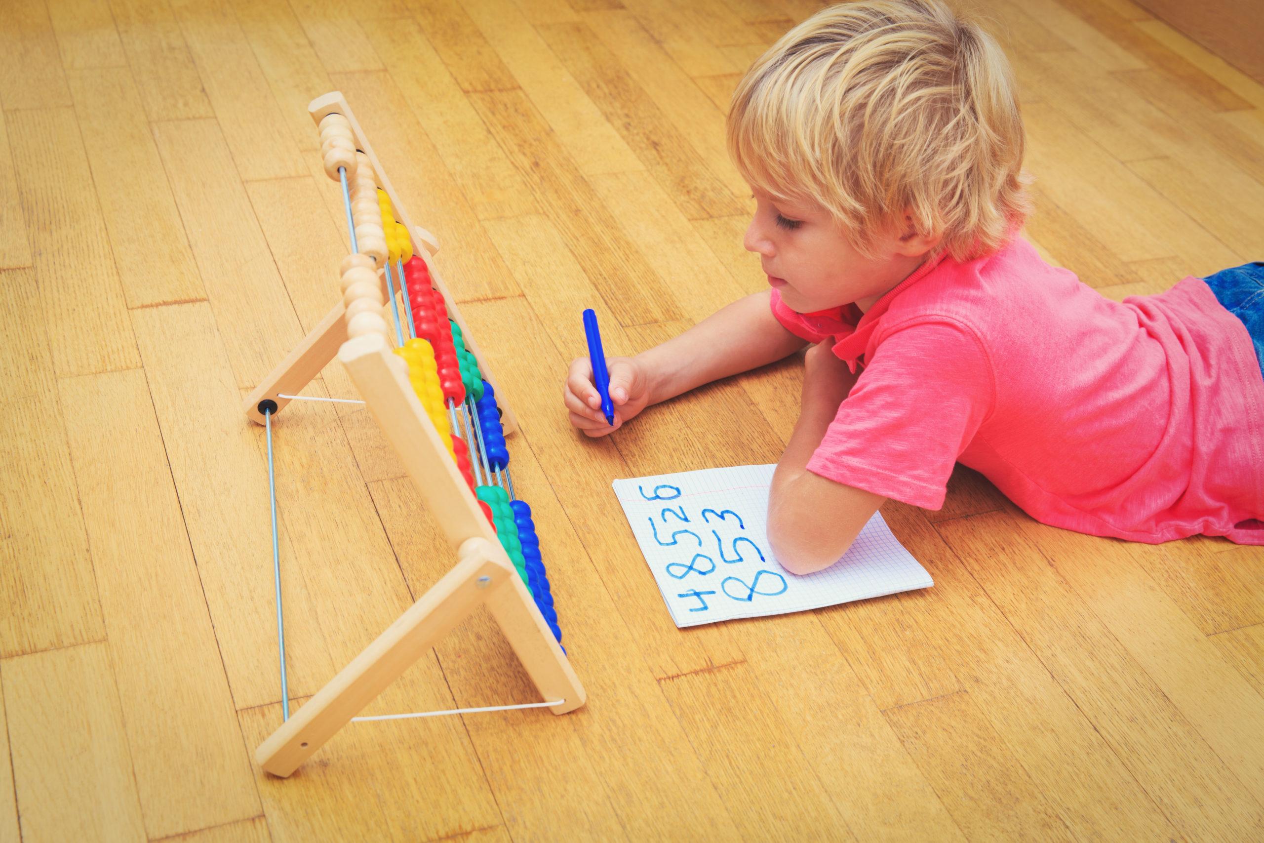 Lecture: comment aider mon enfant à bien démarrer?