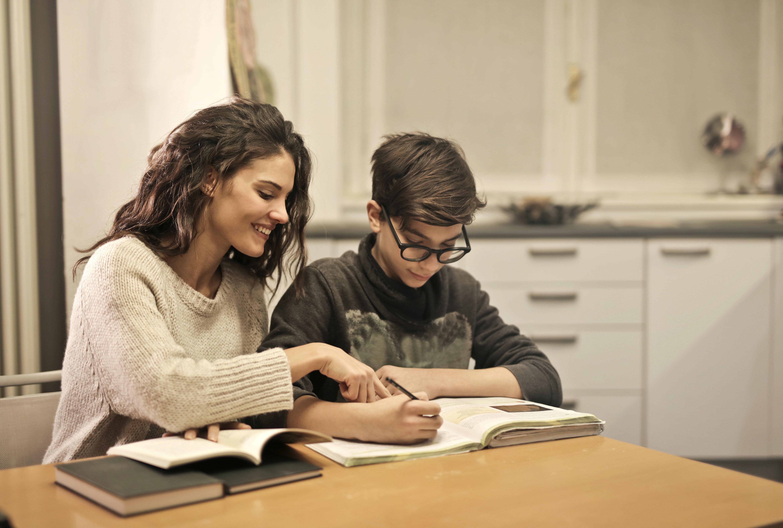 Une meilleure communication parents-enfants pour des devoirs sans conflits