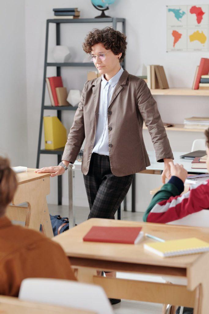 mon enfant passe en 6e: un professeur par matière