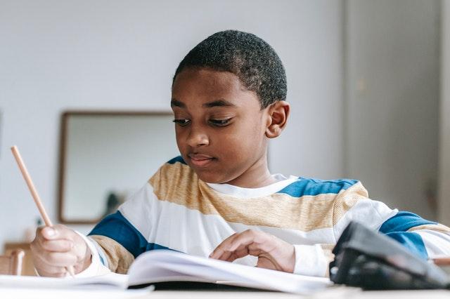 enfant précoce devoirs