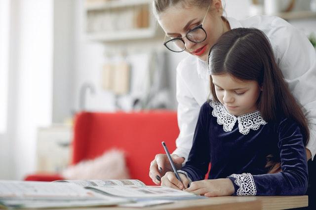 Comprendre comment on apprend permet de mieux se concentrer pendant les devoirs