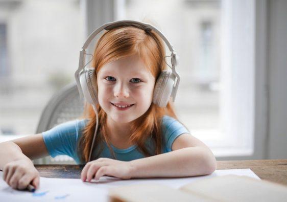 6 podcasts pour les enfants de 9 à 12 ans
